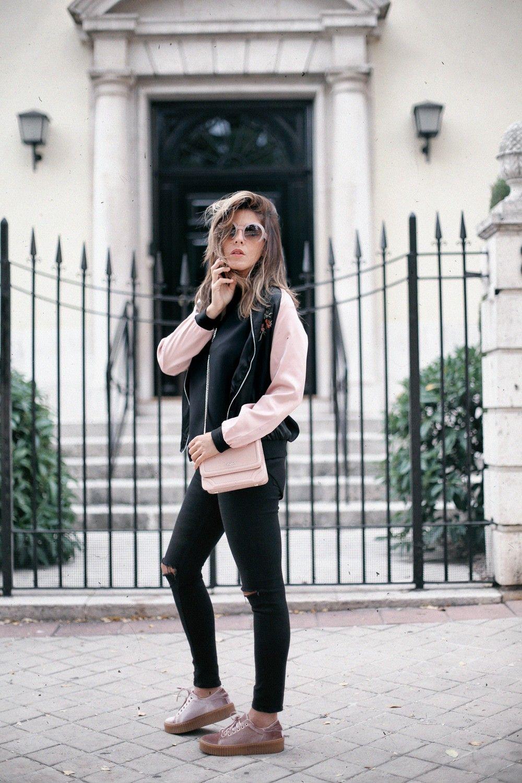 Pink Velvet Mi Armario En Ruinas Black Top Black Ripped Jeans