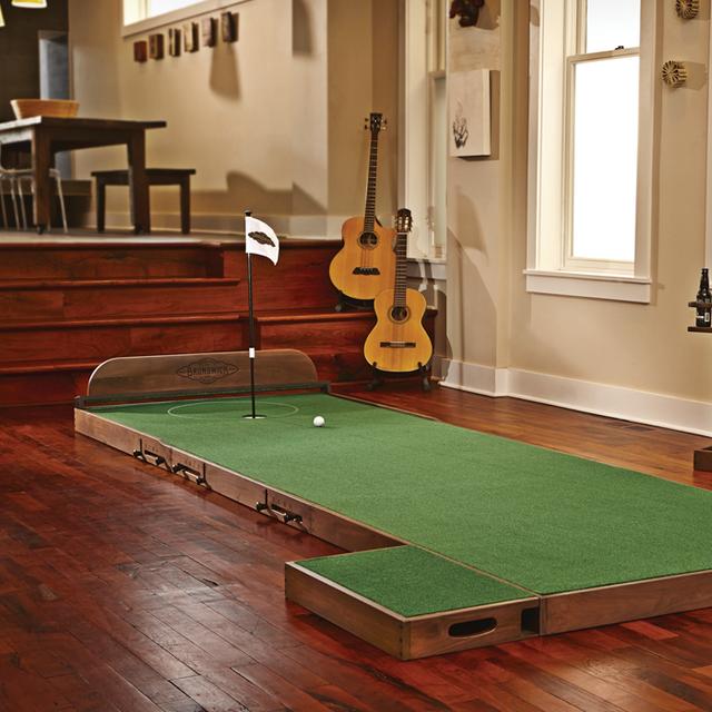 Brunswick Indoor Putting Green Fun Golf Indoor Train Indoor Putting Green Golf Room Golf Tips