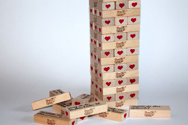 diy jenga spiel hochzeitsgeschenk pinterest geschenke basteln und personalisierte geschenke. Black Bedroom Furniture Sets. Home Design Ideas