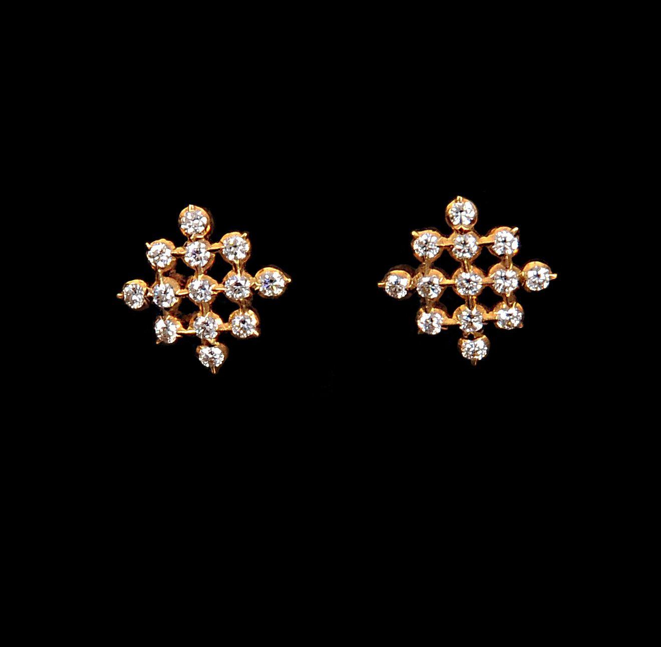 Close Set Diamond Necklace Earings Studs Pendant Gold Earrings
