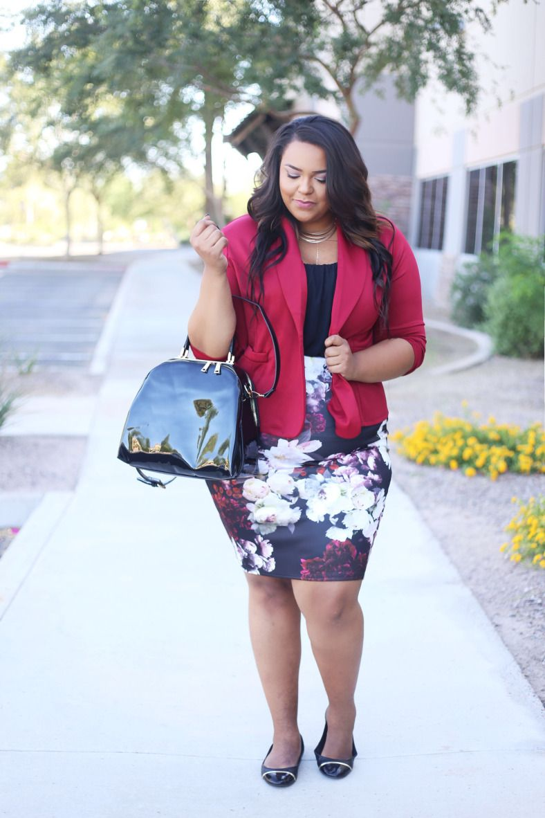 Plus Size Fashion from Fashion To Figure | Nicole from Curves on a Budget is wearing FTF's Ludlow Ruched Blazer $36.90 - http://goo.gl/Nv20Rr and FTF's Garden Bloom Pencil Skirt $28.90 - http://goo.gl/KhVtxM