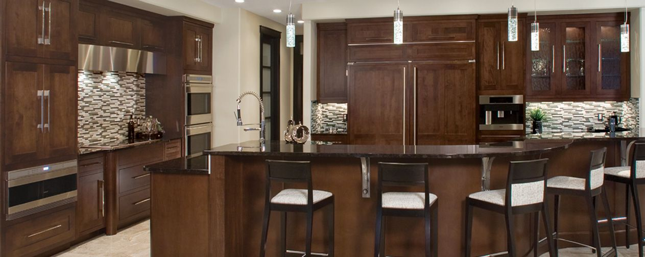 Quaker Door Style Kodiak Stain On Maple Huntwood Cabinets Cabinets Maple Cabinets Custom