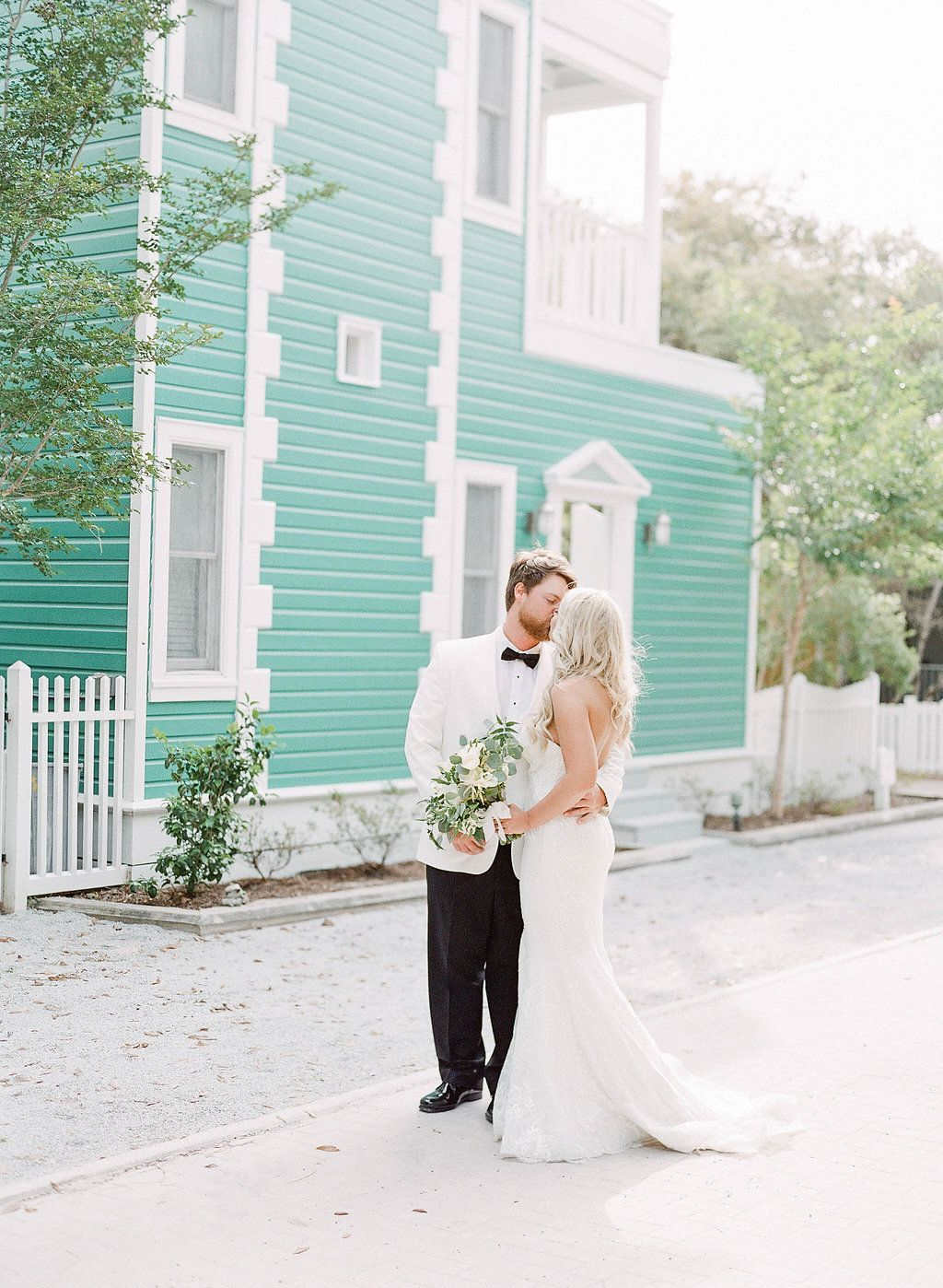 Wedding Photography in Seaside, Florida. Colorful Wedding Venue ...
