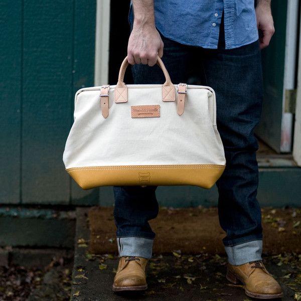 "Wood&Faulk — Wood&Faulk Standard 16"" Carpenter Bag"