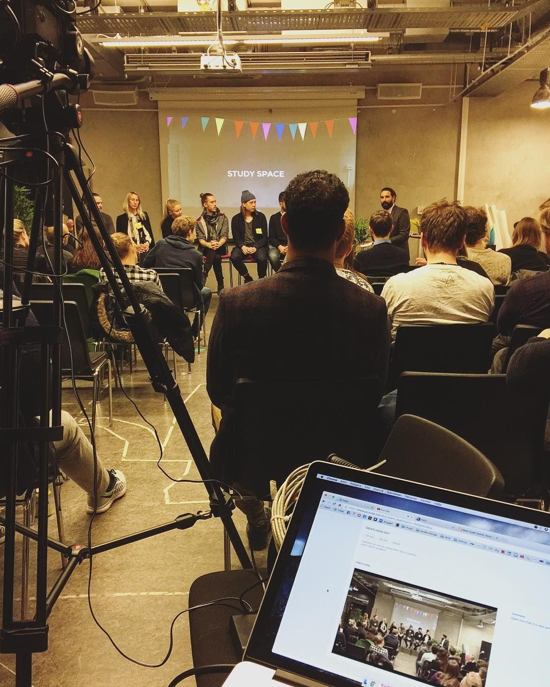 Igår gjorde vi något vi aldrig gjort förut vi sände live. Paneldiskussion med hypers och det gick riktigt smooth. Tack för möjligheten @hyperisland och @cmeldre  ---- #teradek #livestream #videoproduktion #hyperisland by bjornhultmedia