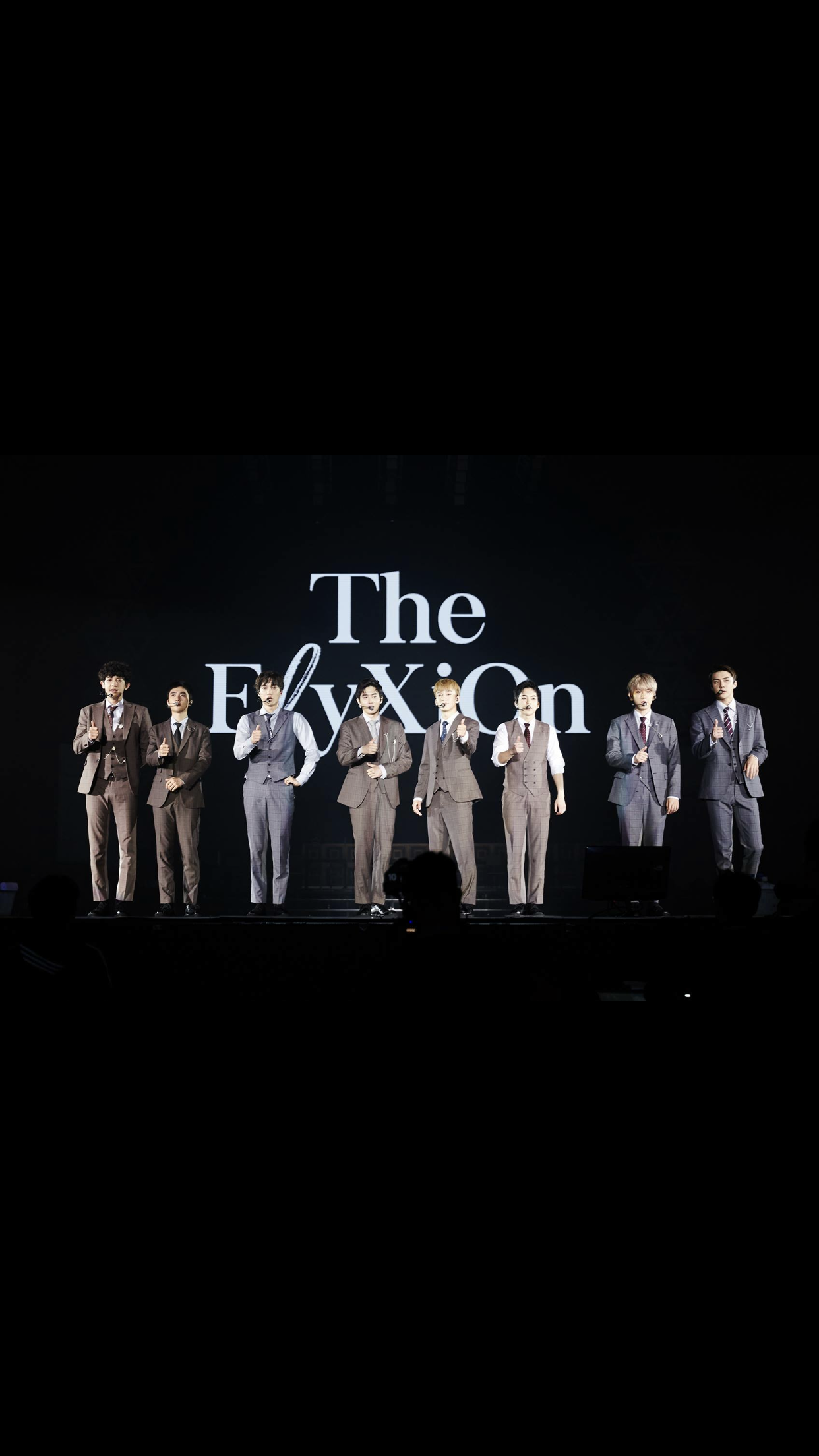 Exo Exo Elyxion Concert King Of Kpop Idol Singer Dancer Xiumin Suho Lay Baekhyun Chen Chanyeol Kyungsoo Do Kai Sehun Ot9 Exo Idol Exo Chen