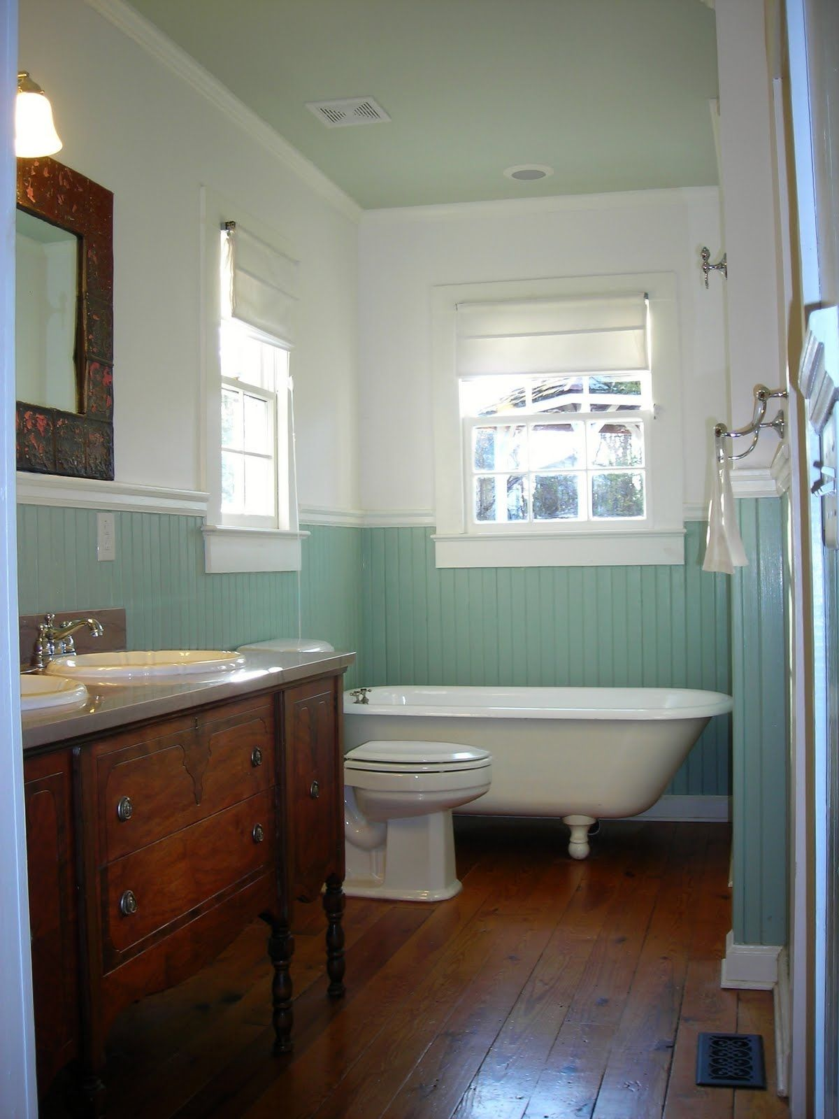 claw foot tub blue beadboard - Bathroom Beadboard