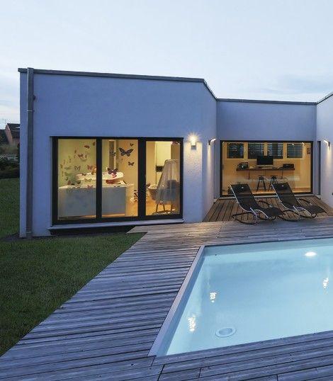 Terrassengestaltung Holz mit Pool - Architektur Detail WeberHaus