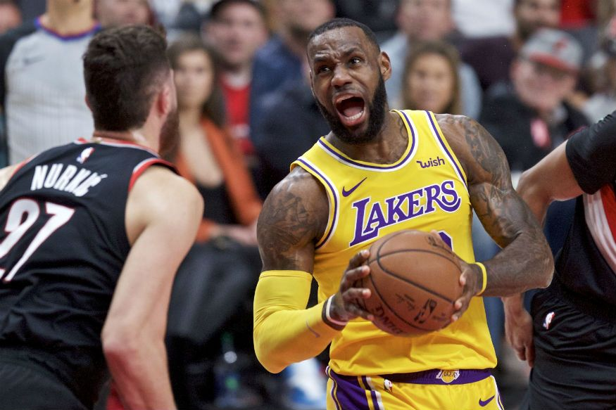Lebron James Scores 28 Points Lakers Defeat Blazers 114 110 Sports Photos Basketball News Lebron James