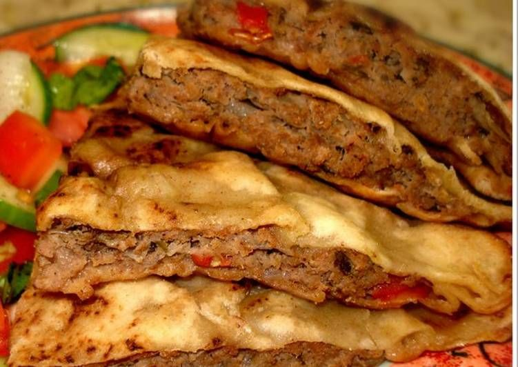 حواوشى 1 Egyptian Food Food Pita Bread Sandwich