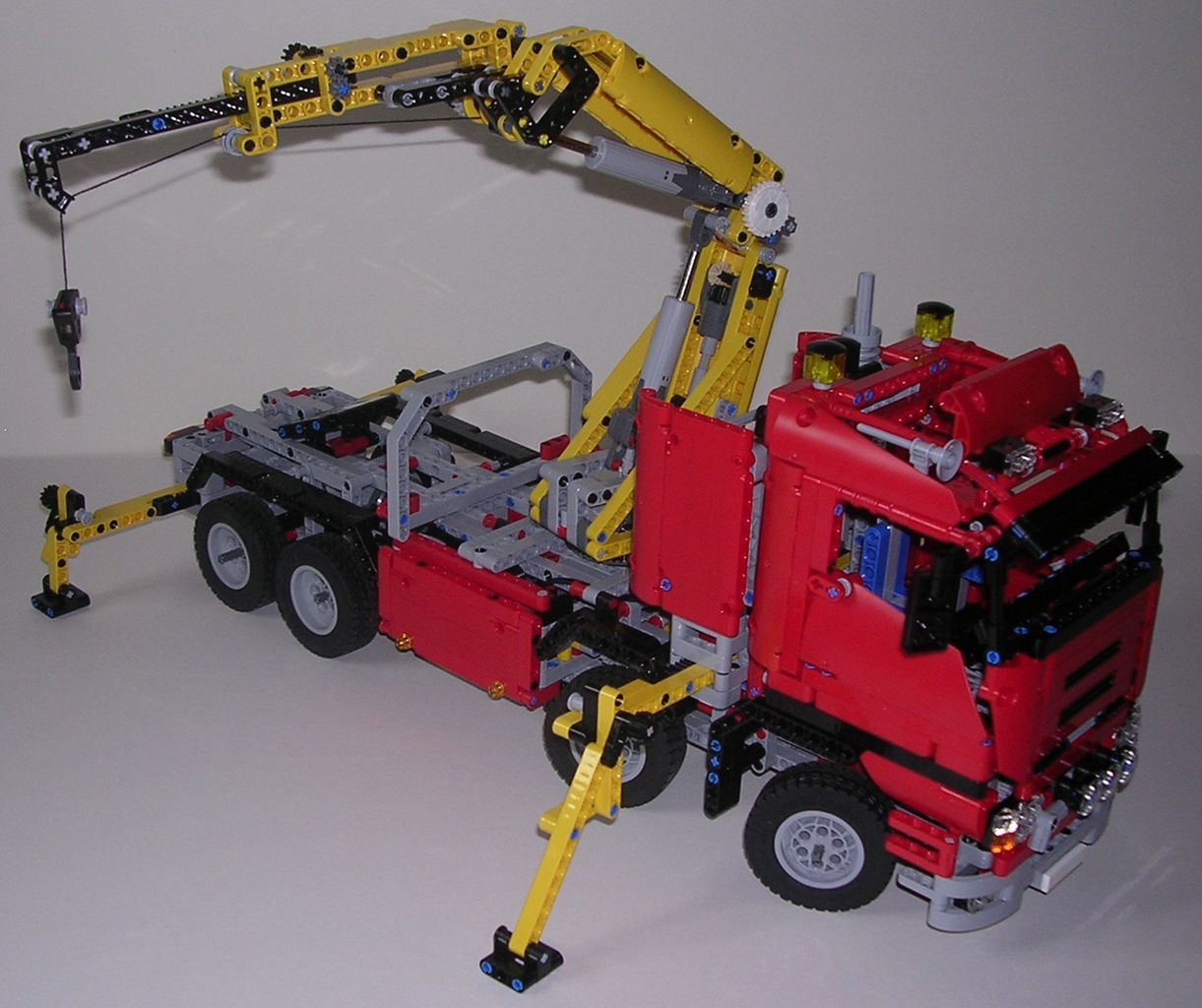 review lego technic 8258 camion grue lego technic sammlung pinterest. Black Bedroom Furniture Sets. Home Design Ideas