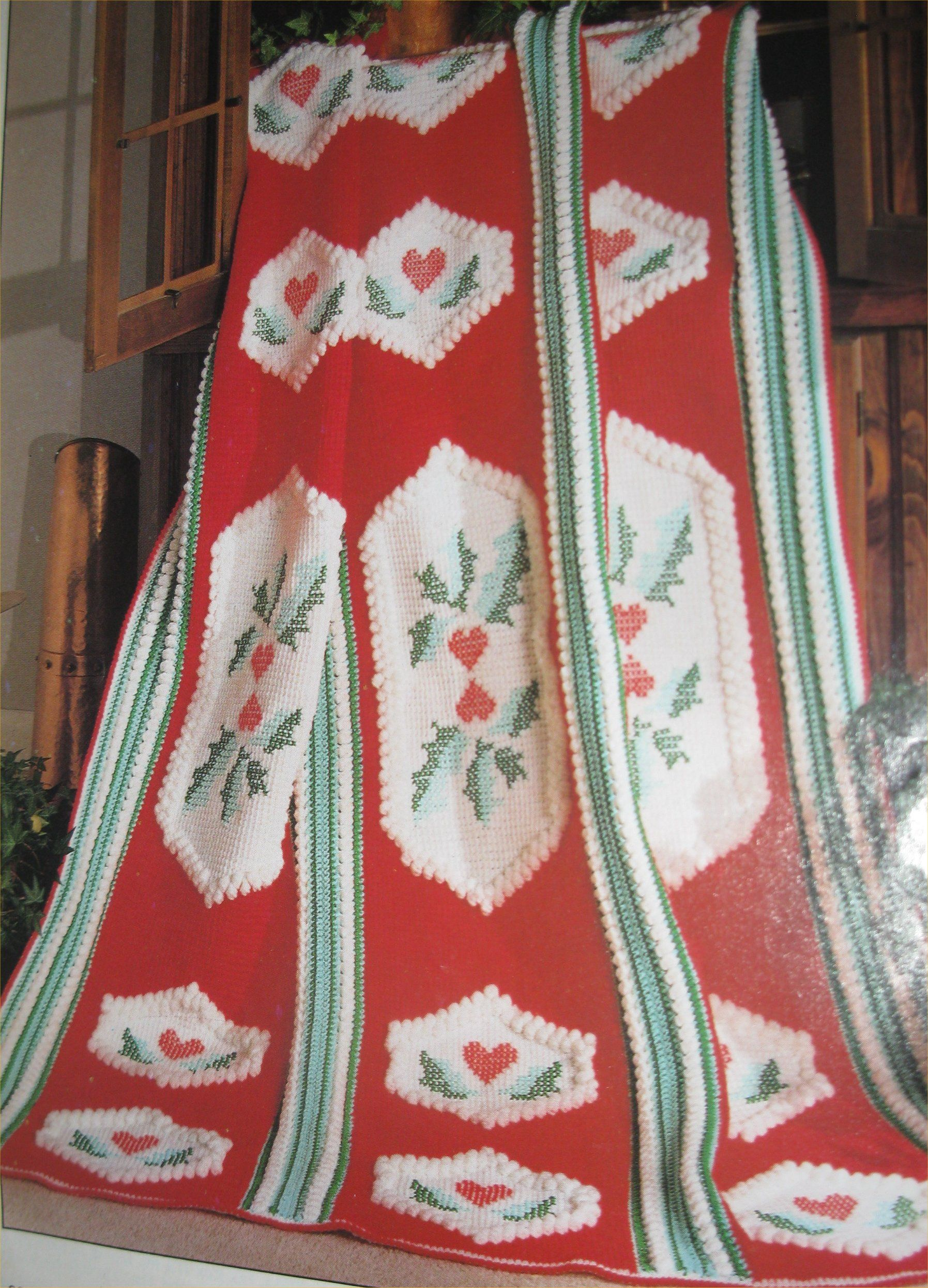 Crochet afghan holly and hearts designed by glenda winkleman crochet afghan holly and hearts designed by glenda winkleman made using red heart yarn bankloansurffo Choice Image