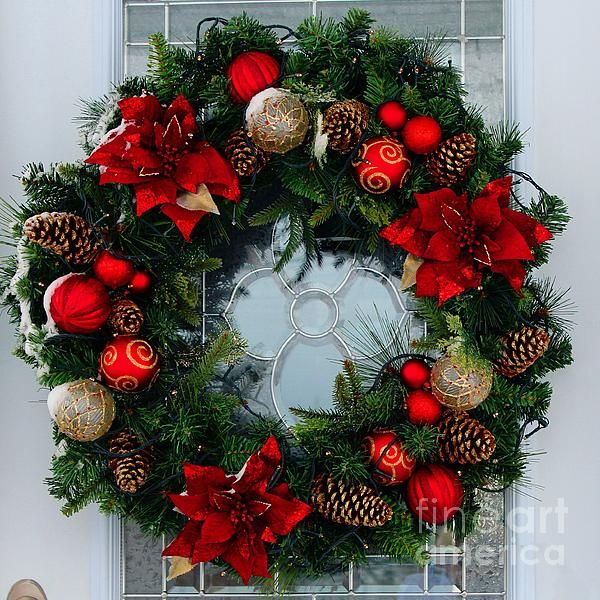 Christmas Wreath Greeting Card by Barbara Griffin A beautiful