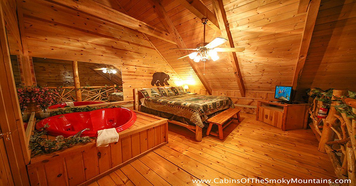 Smoky Mountains Romance In 2020 Pigeon Forge Cabins Cozy Cabin Romantic Cabin