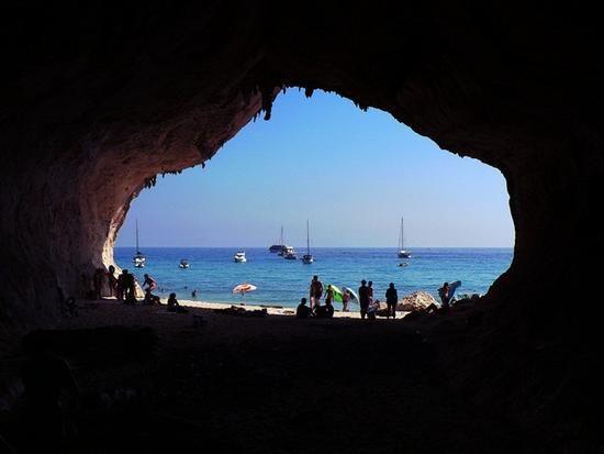 grotta cala luna - CALA LUNA - inserita il 12-Jan-12