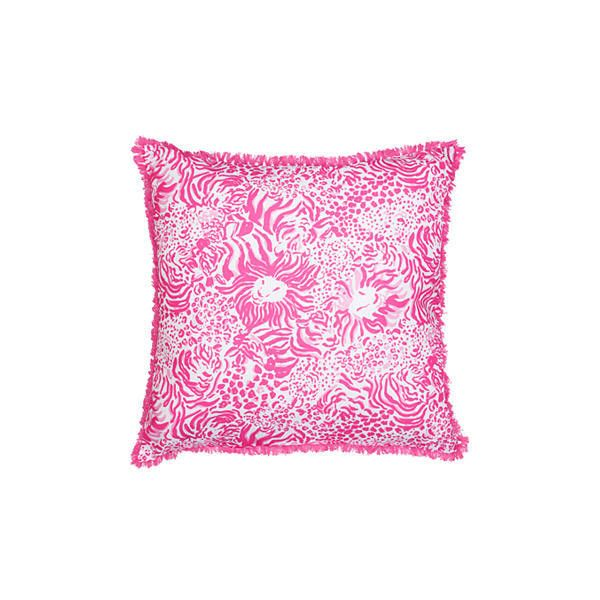 Lilly Pulitzer Large Pillow (52 CAD) ❤ liked on Polyvore featuring home, home decor, throw pillows, lilly pulitzer home accessories, lilly pulitzer home decor and lilly pulitzer