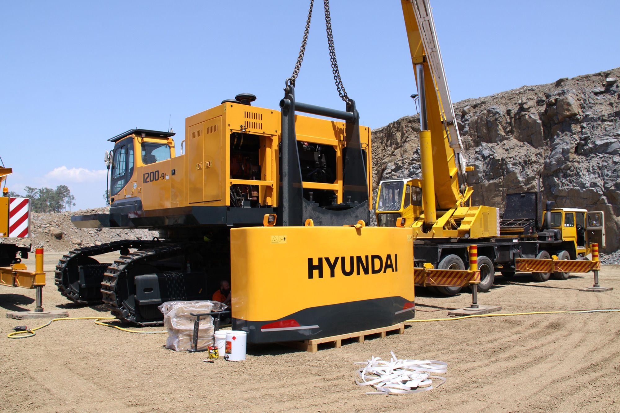 Hyundai Building 120t Excavator