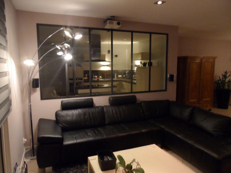 verrire atelier dartiste sparation vitre entre une cuisine et un salon dans