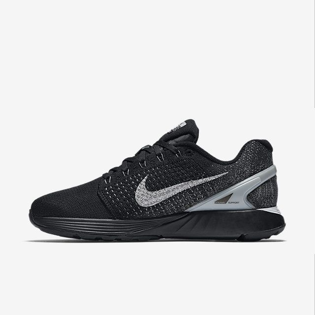 cfd60f7e3f86 Nike LunarGlide 7 Flash Women s Running Shoe in black   white. Great for  overpronation and trendy as hell.