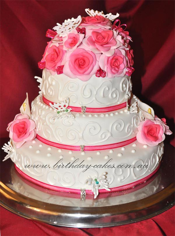 cake with roses Wedding Cake with Roses and Butterflies For