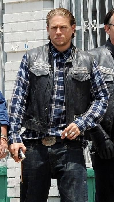 Charlie Filming Season 7 Sons Of Anarchy Anarchy Charlie Hunnam
