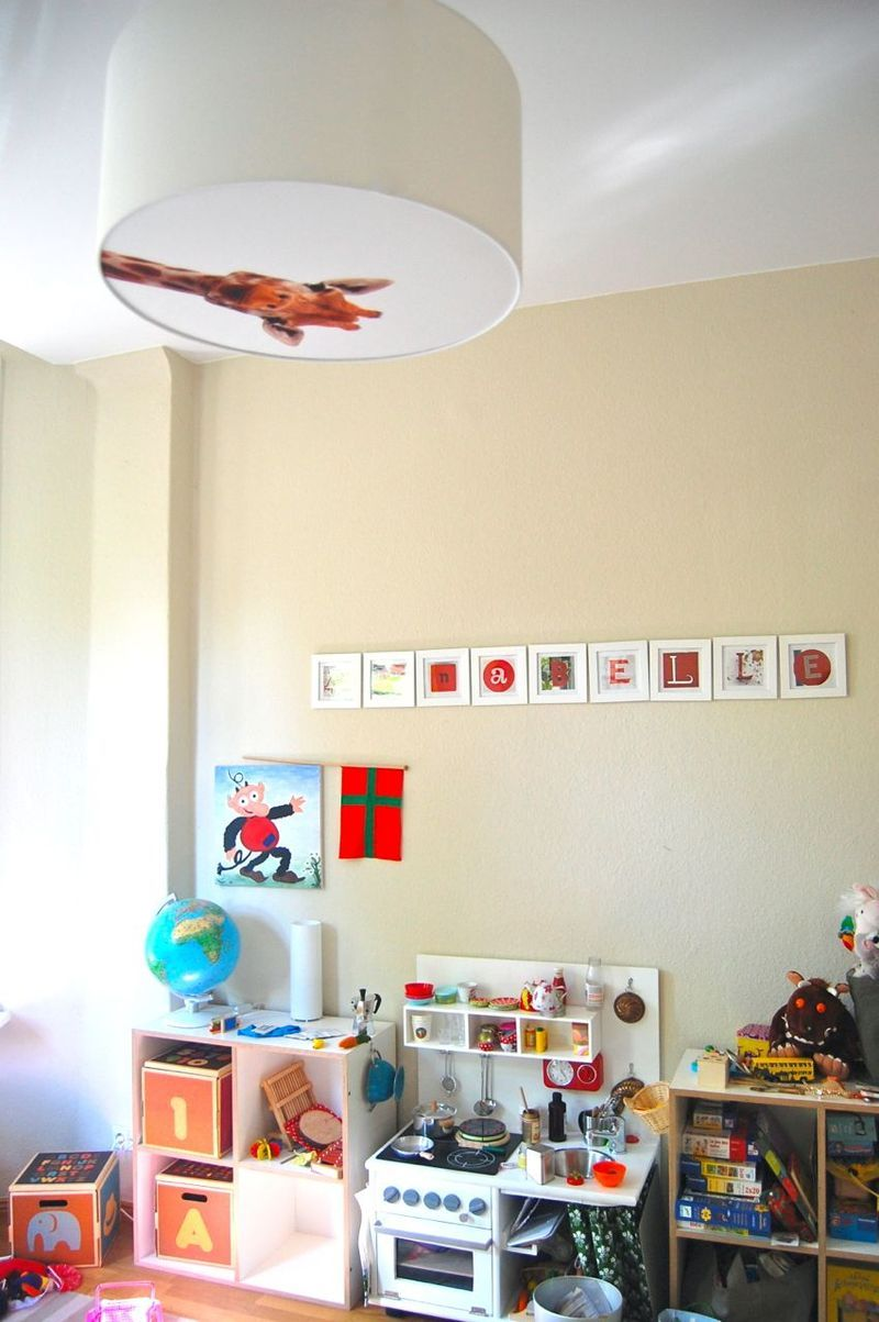 Die kinderzimmerlampe war kaputt kinderzimmer for Kinderzimmer deckenlampe