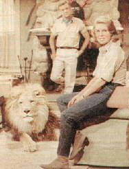 Marshall Thompson und Cheryl Miller mit Löwe Clarence  Daktari
