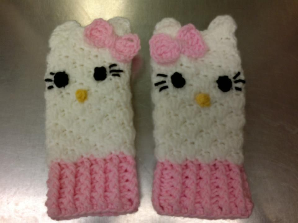 Just found a pattern and made it look like hello kitty. link to ...