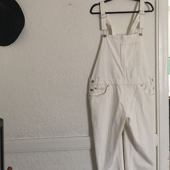 6a88d11c9f Levi s White Overalls Oversized white overalls from Levi s. Never worn.  Really great slouchy fit! Could be an oversized M or a regular fit L.  Levi s Jeans ...