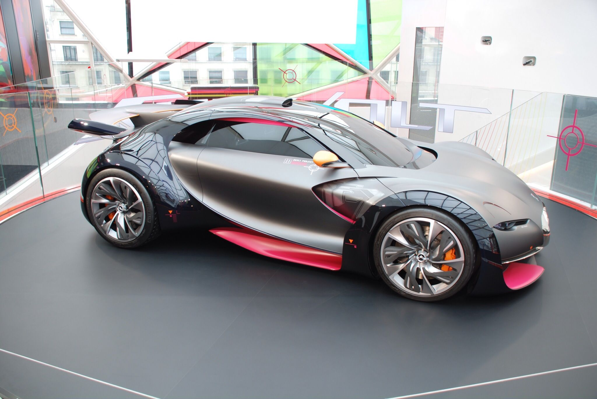 les 25 meilleures id es de la cat gorie future electric cars sur pinterest toutes les voitures. Black Bedroom Furniture Sets. Home Design Ideas