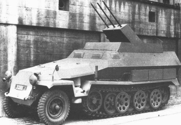 A SdKfz 251/21 halftrack with a triple mounted 'Drilling' MG151  autocannon