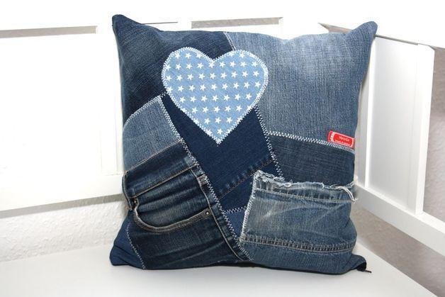 kissenbez ge kissenh lle recycling jeans taschen flicken blau ein designerst ck von. Black Bedroom Furniture Sets. Home Design Ideas