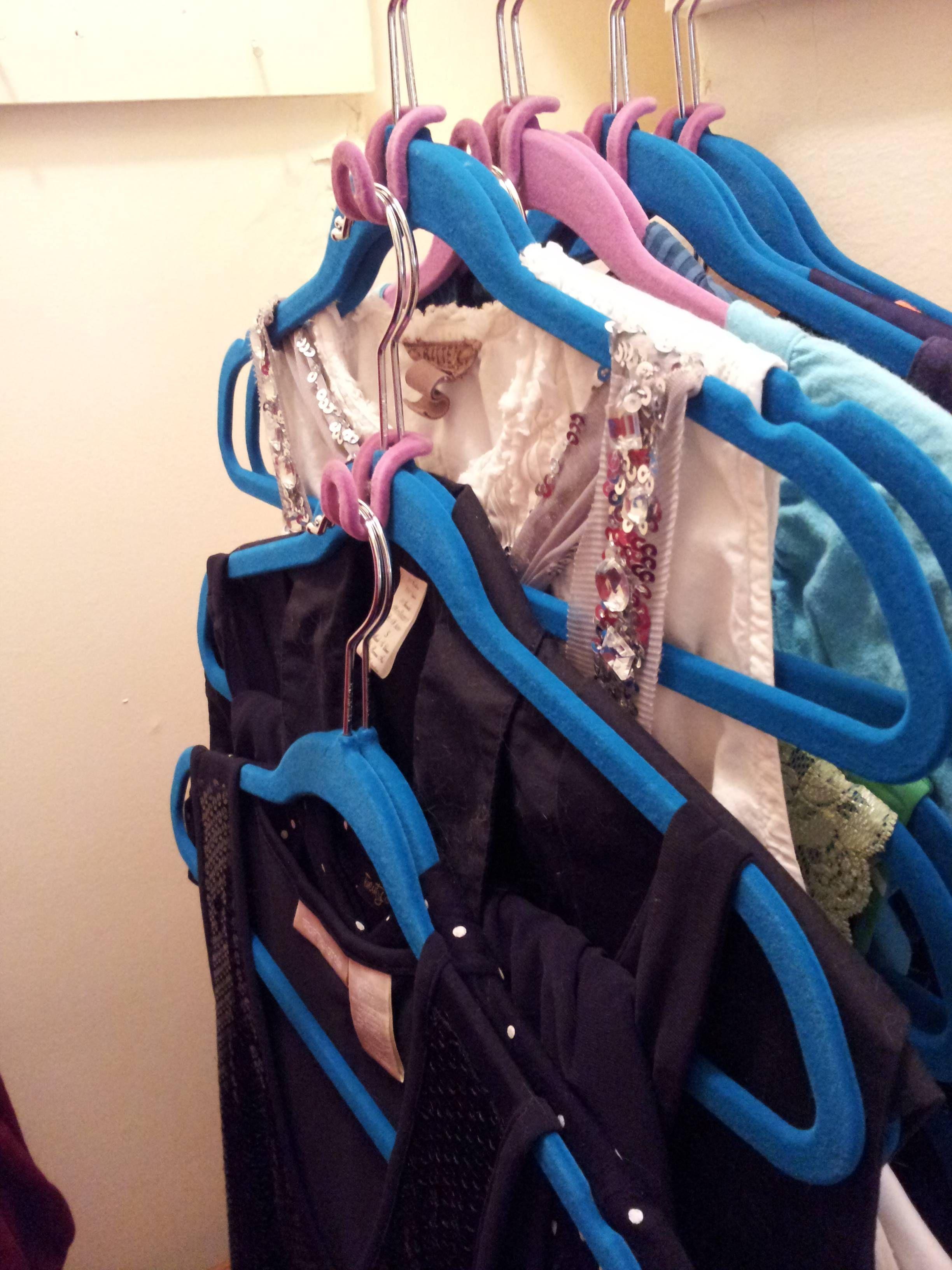 Cascading Hooks Http://www.hsn .com/products/huggable Hangers 20pk Cascading Mini Hooks/6580911