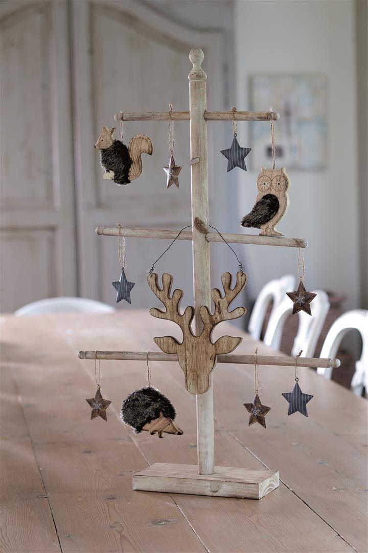 Wooden X-mas tree with stars