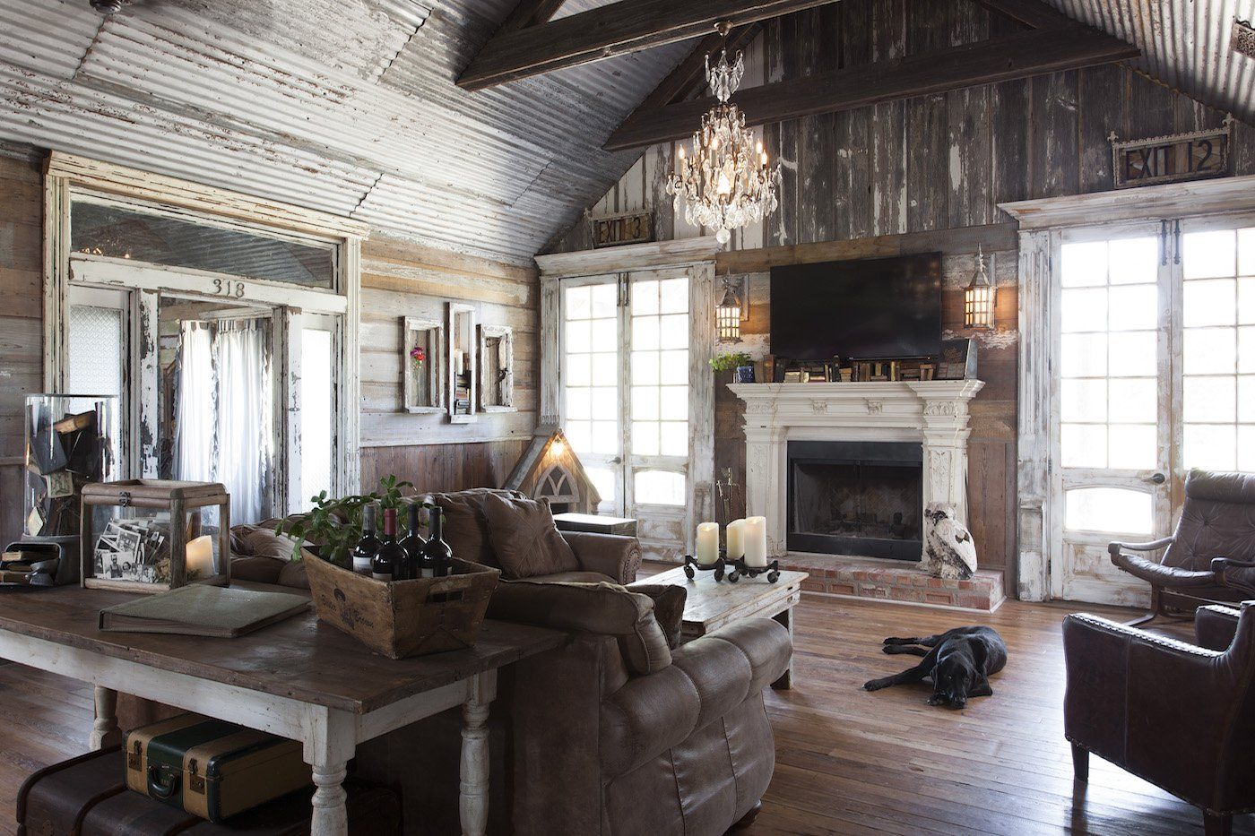 Look Inside An Antique Dealer S Dream Home In Round Top Farmhouse Decor Living Room Farm House Living Room Rustic Farmhouse Living Room