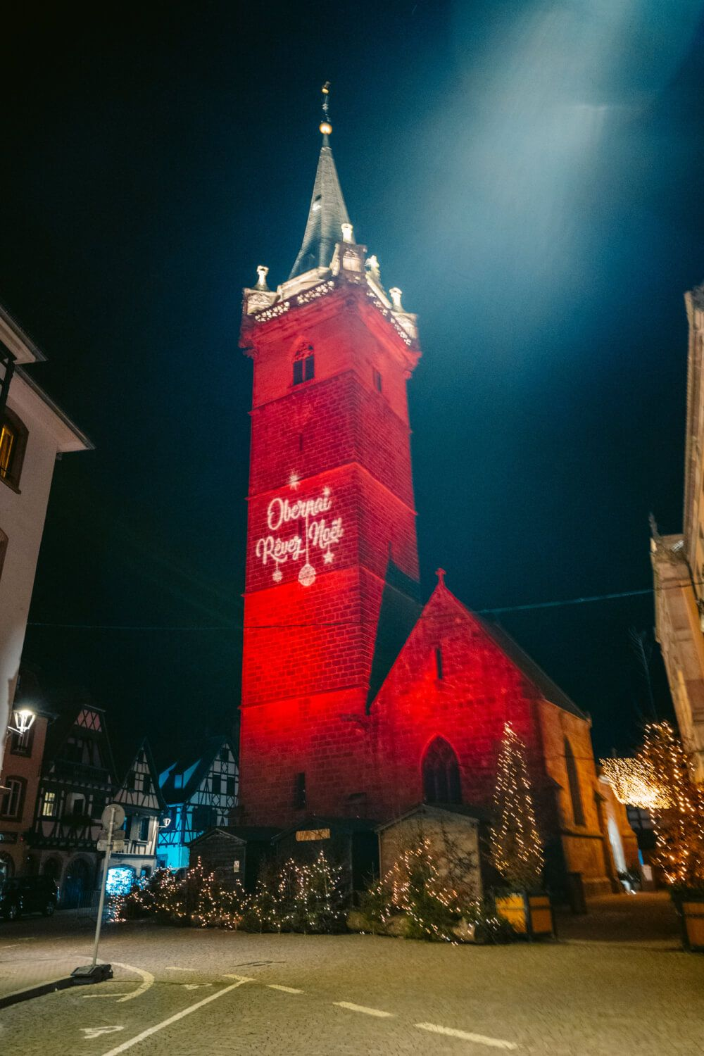 A must-read guide to the magical Christmas Market in Obernai, France. This Xmas market is one of the most underrated Christmas markets in France, so be sure to check it out if you are visiting the Alsace region during Christmas time. Includes beautiful Obernai Photography, a guide on Christmas market locations in Obernai and insider tips! #obernai #france