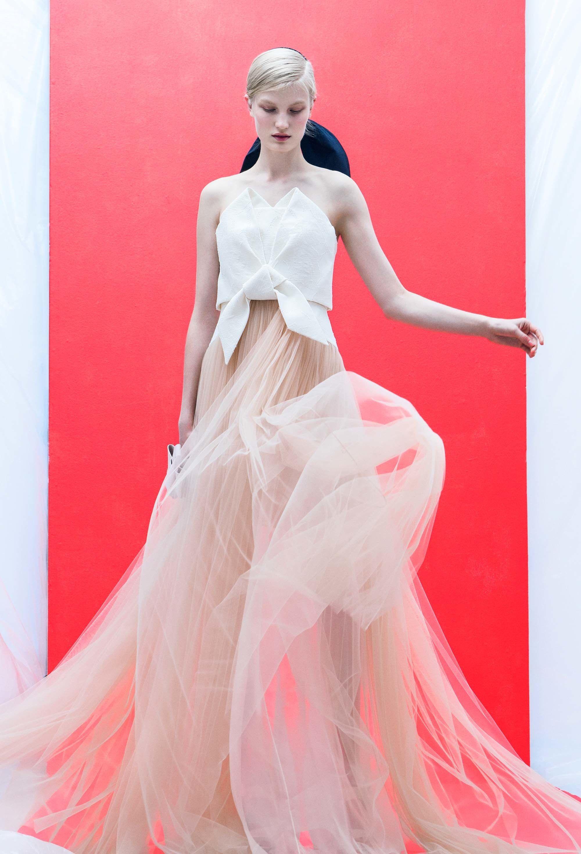Delpozo Resort 2018 Fashion Show   El pozo, Foto retrato y Caprichosa