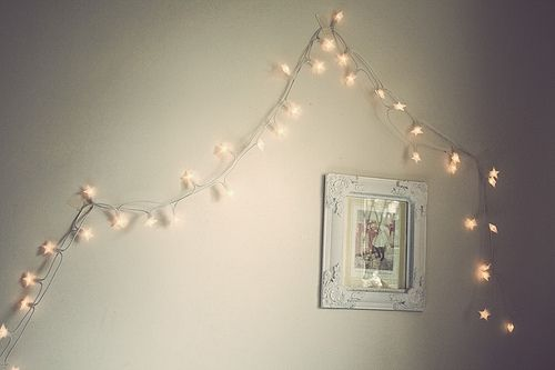 I need lights like these for my room, I love the soft glow of them and the  white cord. I hate black cords.