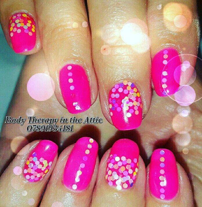 Bright and beautiful natural nails.  #diamondglitters @diamondglitters #inspiration #gelllmanicure #gelnails #healthynails #florabora #summer #nailart #naturalnails #nailledit #nailsagram @gel_two  @magpie_beauty @scratchmagazine @nailsmagazine