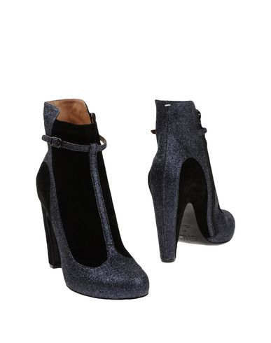 a9f0e766cd7 MAISON MARTIN MARGIELA Ankle boot.  maisonmartinmargiela  shoes  stiefelette