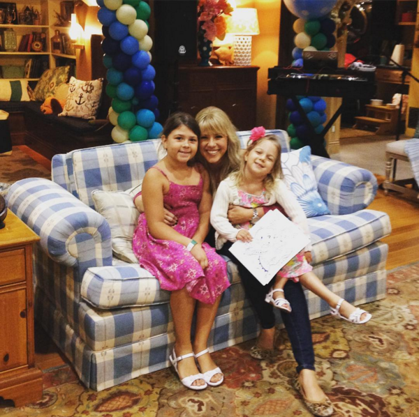 The Cast Of Full House In Their First Episode Last Episode And Now Full House Cast Full House Jodie Sweetin