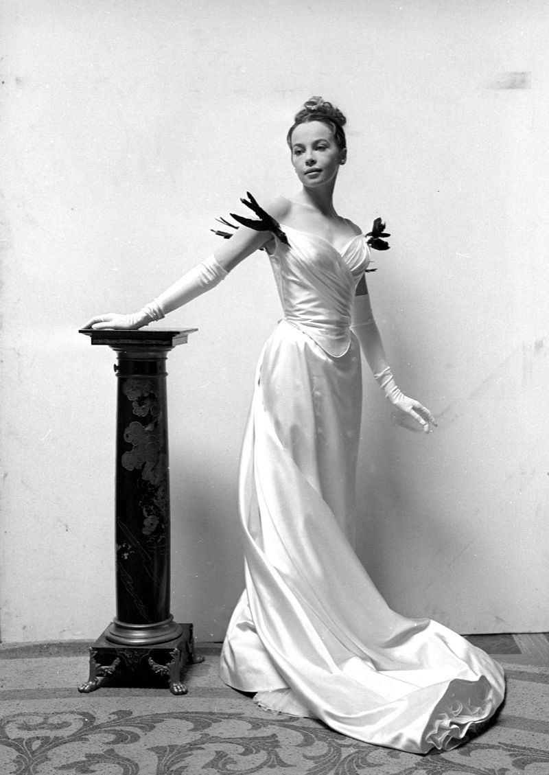 Cecil Beaton, Portrait of Leslie Caron for Gigi directed by Vincente Minnelli, 1958