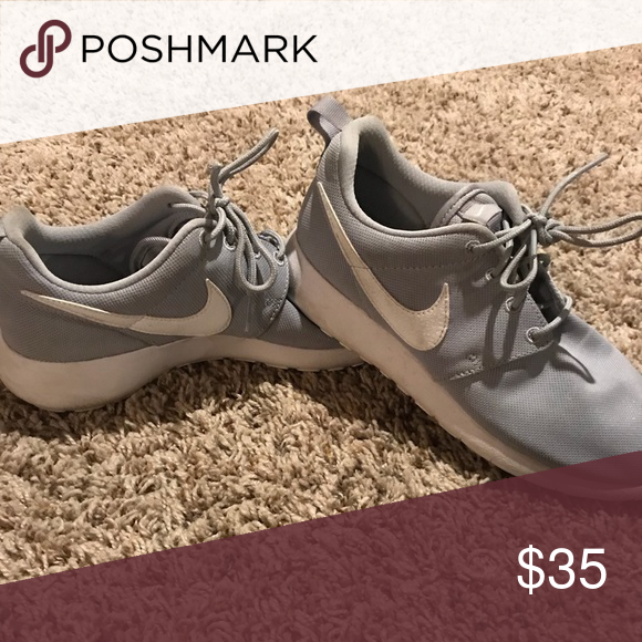 Details about Nike Roshe Run Flight Weight Boys Youth Size 7Y Black Silver Mesh 705485 009
