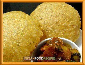 Crispy Urad dal poori with Khatta Meeta Aloo Recipe http://www.indianfoodrecipes.net/regional-recipes/south-indian-recipes/spicy_urad_poori_recipe.html