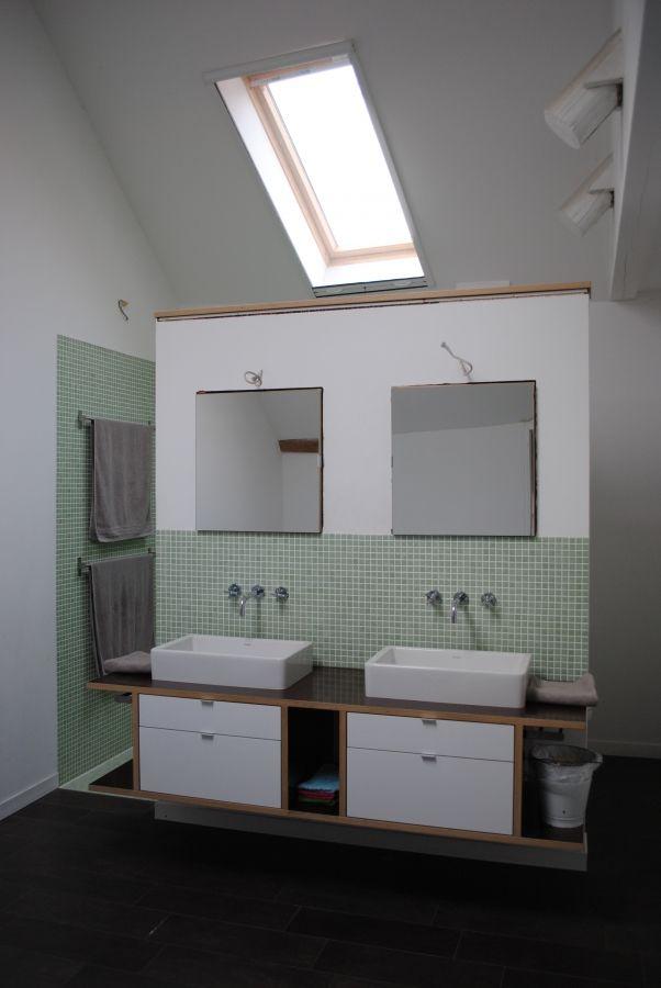 badezimmer bad badezimmer baden und doppelwaschbecken. Black Bedroom Furniture Sets. Home Design Ideas