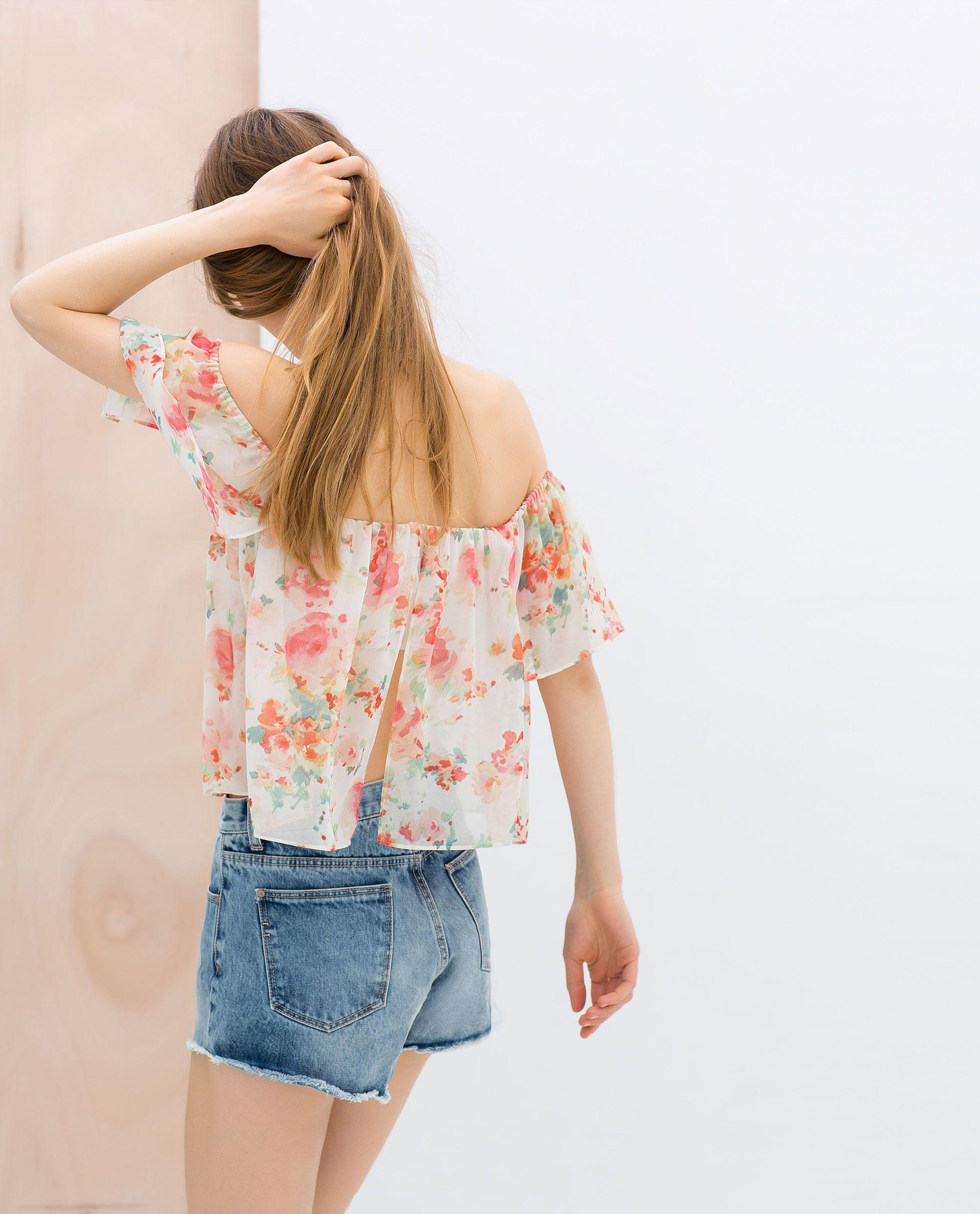 Imagen 3 de TOP ESTAMPADO GOMAS de Zara