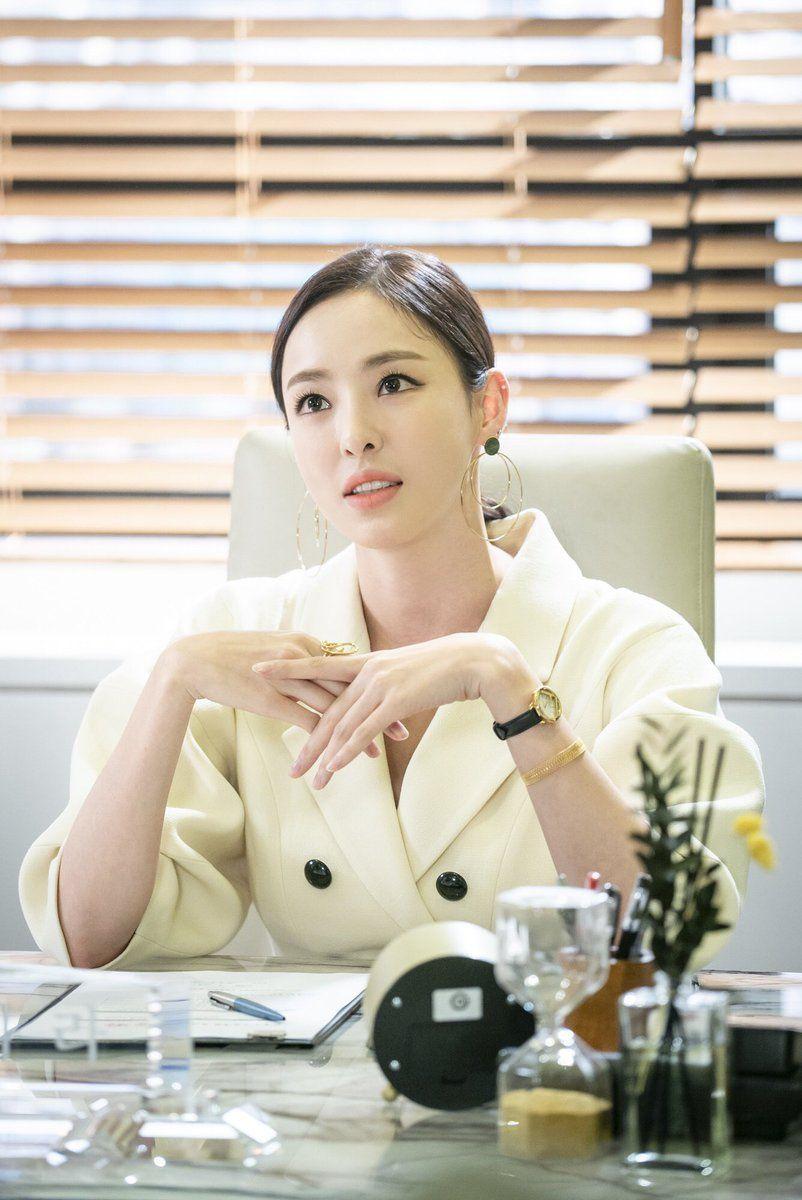 Pin oleh Vavacu di KOREAN ACTRESS Aktris, Kecantikan