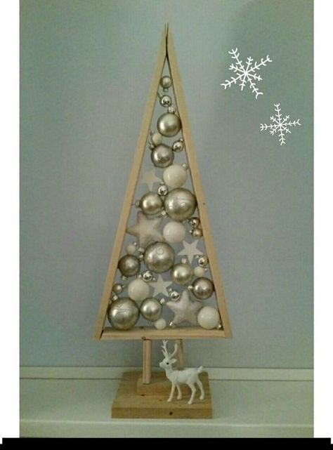 Christmas Tree Decoration Very Simple 15 Stuffed Triangles With Christmas Decorations Living Room Christmas Decorations Centerpiece Fun Christmas Decorations