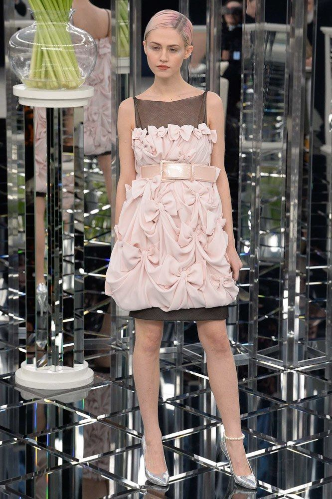 Cool See the complete Chanel Spring 2017 Couture collection.... chanel Check more at http://fashionie.top/pin/22785/