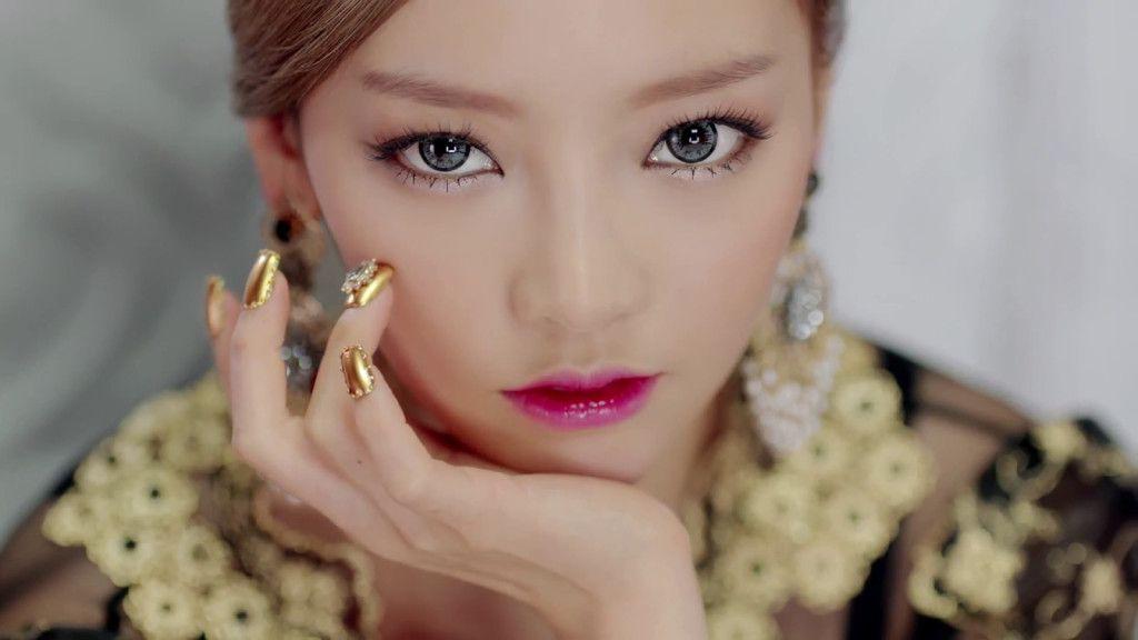 Kpop Idols Nail Art Buscar Con Google Pop Makeup Goo Hara Diy Manicure